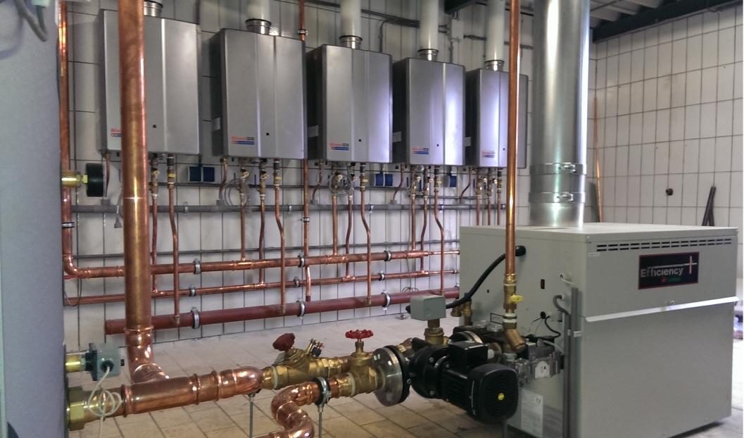 Lochinvar-EWN-Rinnai-HDC1500i-cascade-b3heating-Slachterij